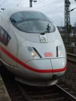 ice-3-br-403406/20810/ice-712-kurz-vor-der-abfahrt ICE 712 kurz vor der Abfahrt nach Köln. April 2009