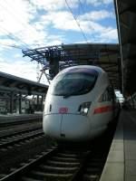 ice-t-br411415/21099/und-mal-in-die-andere-richtungein Und mal in die andere Richtung.Ein T nach Dresden.Erfurt Hbf(Martin)