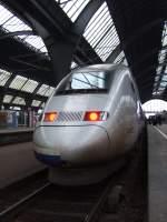 tgv/20809/tgv-pos-von-paris-est-nach-stuttgart TGV-POS von Paris Est nach Stuttgart beim Halt im Karlsruher Hbf. März 2009
