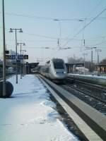 tgv/21115/tgv-pos-durchfaehrt-bei-winterlichen-wetter TGV POS durchfährt bei winterlichen Wetter den Bahnhof Karlsruhe Durlach(Martin)